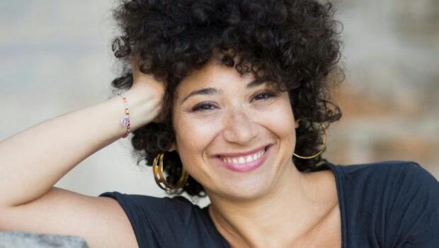 «Elle voulait juste marcher tout droit», le premier roman de Sarah Barukh