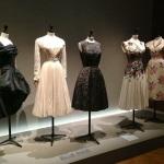 les-annees-50-mode-palais-galliera-exposition-paris-fashion-jacques-heim-chanel-dior-cardin-carven-givenchy-saint-laurent-2