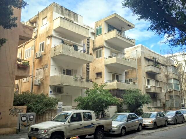 Boulevard Rothschild, Tel Aviv.