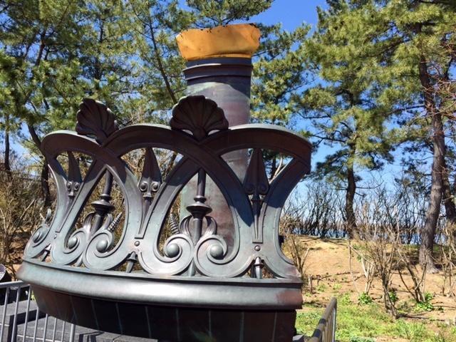 Réplique du balcon et d'une partie de la torche sur Liberty Island. Copyright © Cultures-J.com.